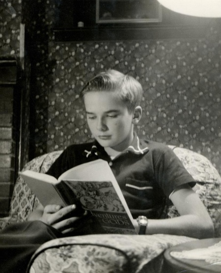 reading-a-book2